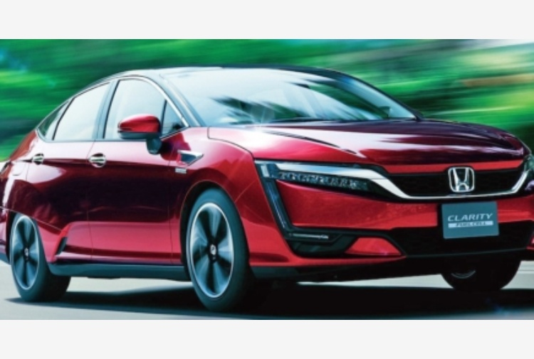 Honda Clarity fuel cell: autonomia di 589 chilometri